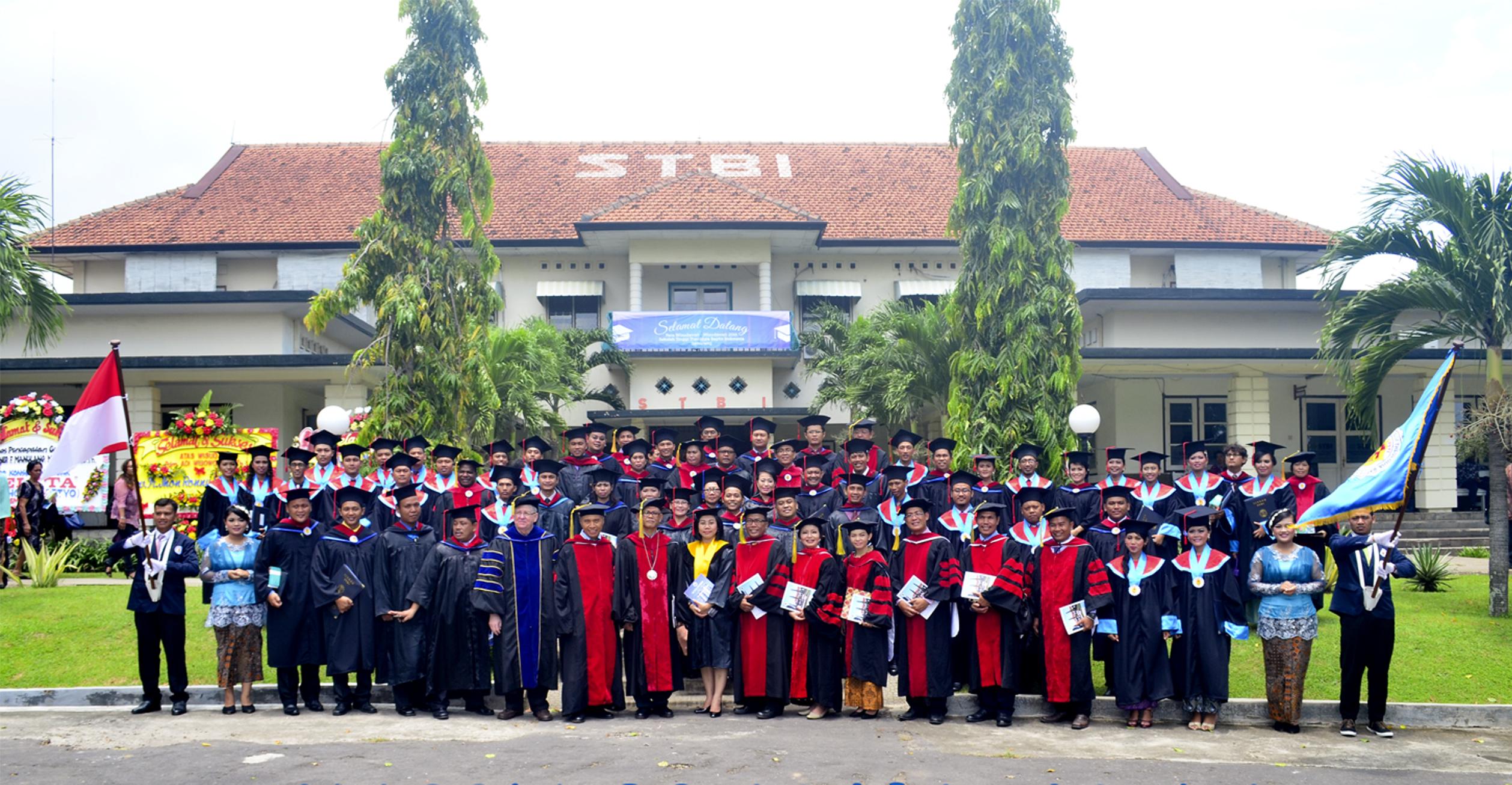 Strata 2 – Magister Teologi (M.Th.) & Pendidikan (M.Pd)